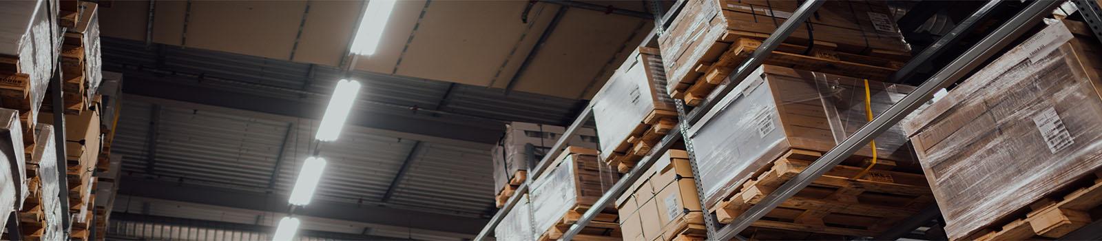 Kuva varastosta, josta on ostetavissa varastontipalveluita